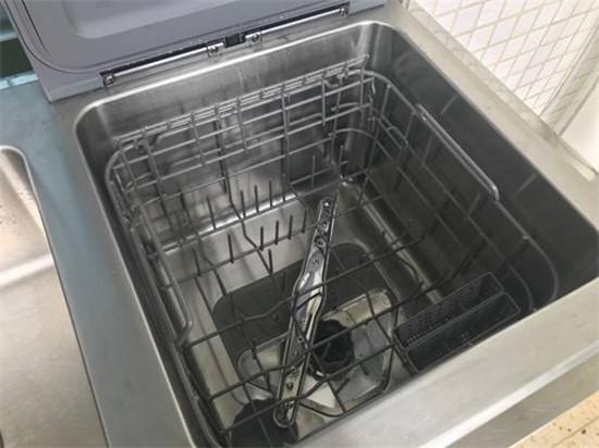 美的洗碗机F2:小规格 大能耐 轻松厨房家务