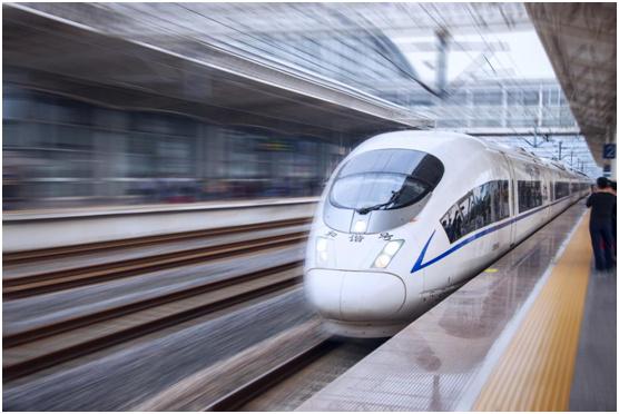 亿洋品牌广告片荣登高铁动车组 树立品牌发展新里程碑