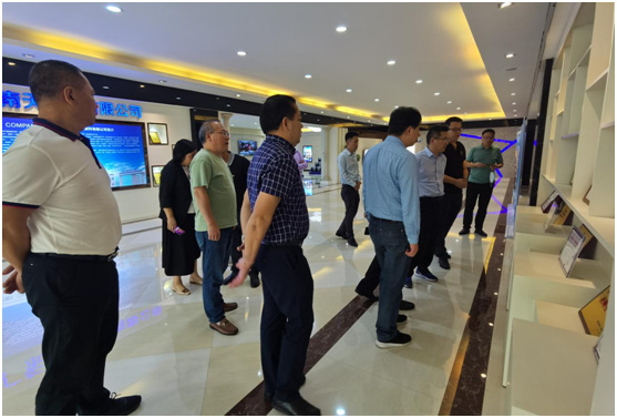 热烈欢迎安徽省天长市领导莅临南天涂料考察指导